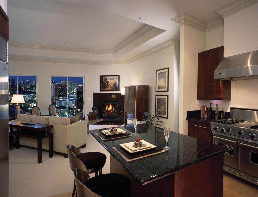 02-01095 Mercer-mercer_livingroom.jpg