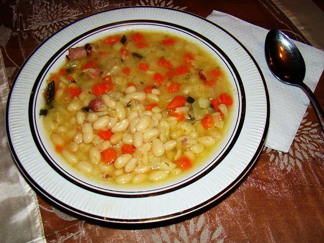 Polish_bean_soup.jpg