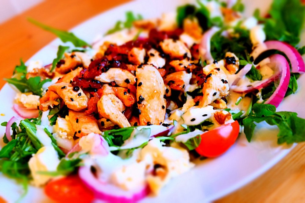 salad_low_carb_dinner_salad_plate_red_onions_appetizing_tasty_mixed_salad-1384588.jpg!d.jpeg