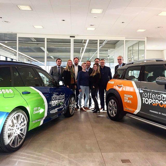Wat een kleuren! De nieuwste auto's van @rotterdamtopsport geleverd door @automobielbedrijfkalfsbeek productie en wrapping by @cdnz.nl