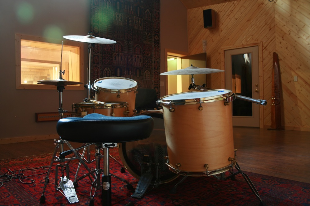 white room from behind kit.jpg