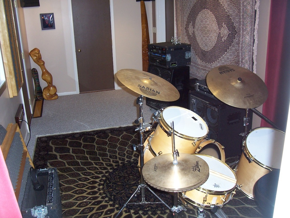 Brown room from behind kit.jpg