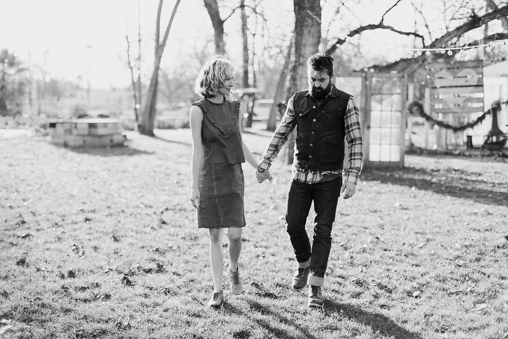 Paige-Newton-Photography-Engagement-Session-Austin-Springdale-Farm-Engagement0004.jpg
