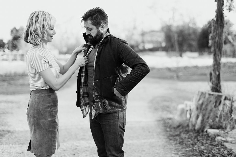 Paige-Newton-Photography-Engagement-Session-Austin-Springdale-Farm-Engagement0008.jpg