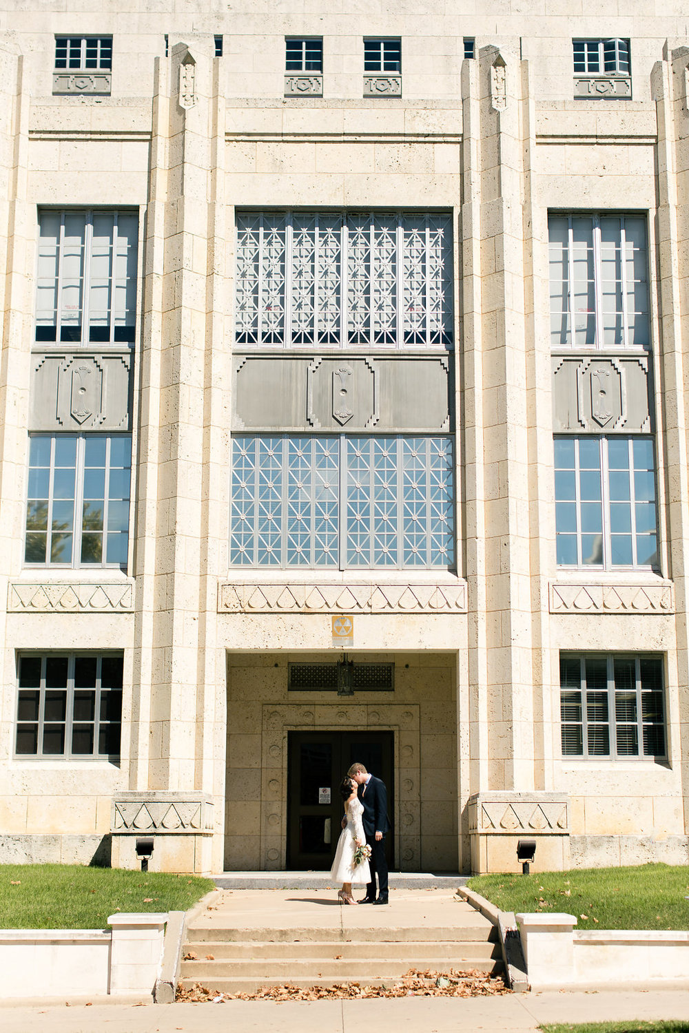 Paige-Newton-Photography-Elopement-Photographer-Austin-Courthouse-Fresas-Chicken0022.jpg