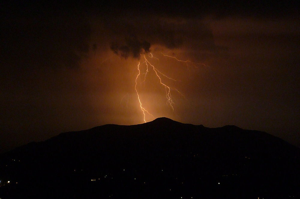 1200px-Thunderstorm_over_Corfu.jpg