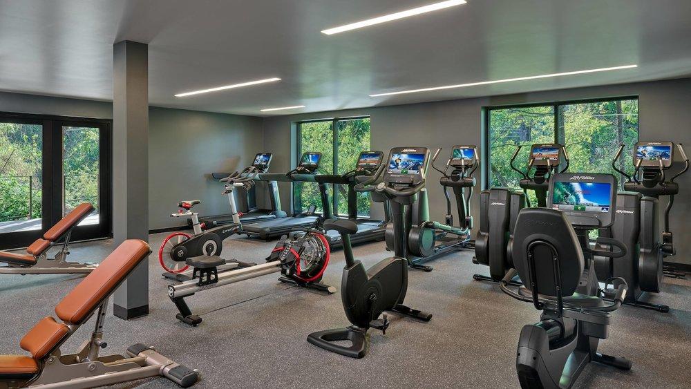 Los Alcobas gym stduio.jpg