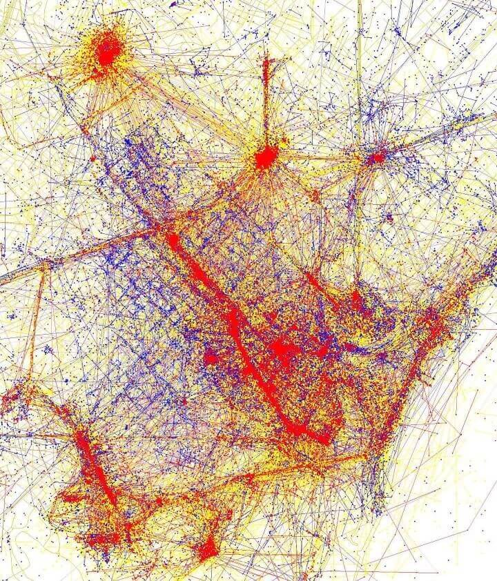 Barcelona Photographed by locals (red) and tourists (blue)