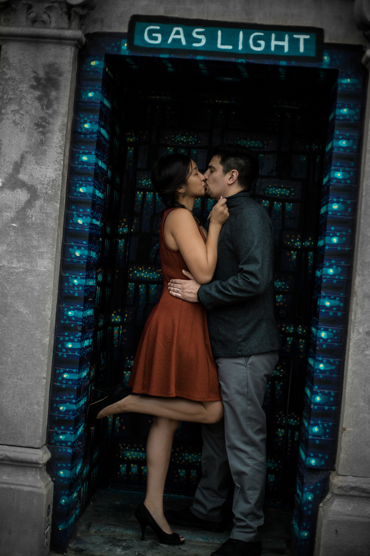 An engagement shoot in Logan Square. Chicago Wedding Photography (c) Amy Stallard