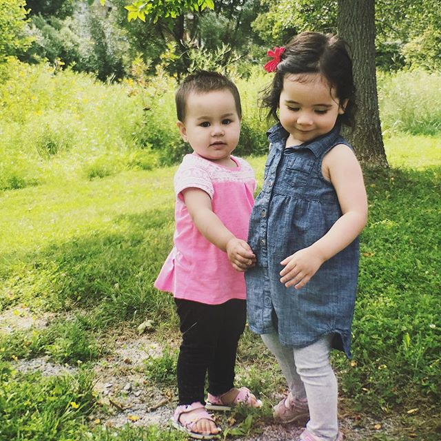 Making friends ❤️#islabean #cutelittlemuffins #summerpleasestay