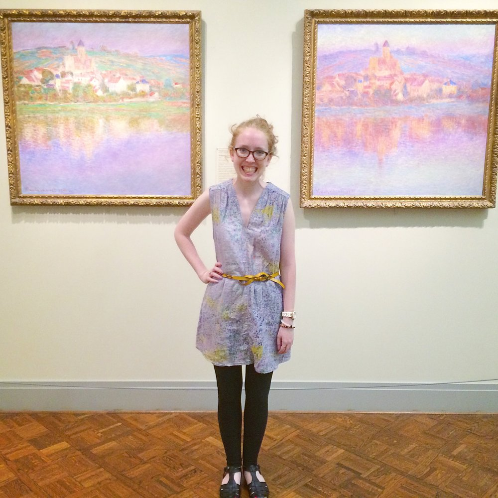 Timmi posed me with the paintings she had in mind when she chose the pattern!