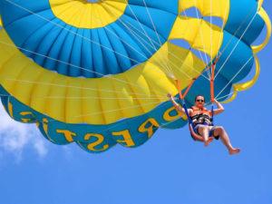 parasailing-300x225.jpg