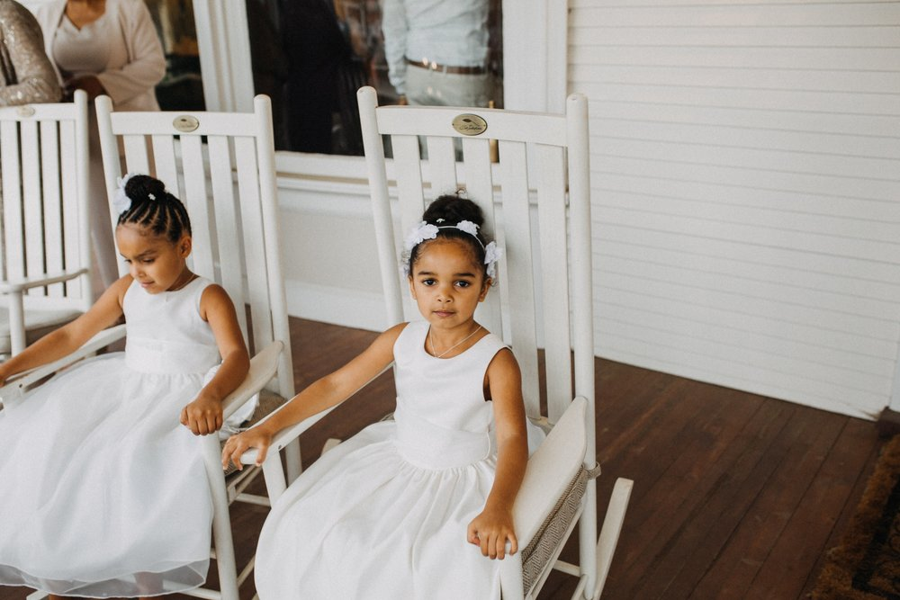 I ADORE these flower girls and this Georgia style porch!