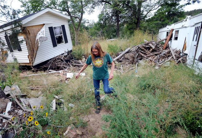 Damaged mobile homes in Lyons, Colorado. Image: The Daily Camera