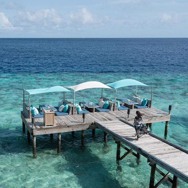 Perfect breakfast spot  #sixsenseslaamu #maldives #beautifuldestinations #cabanas #paradise