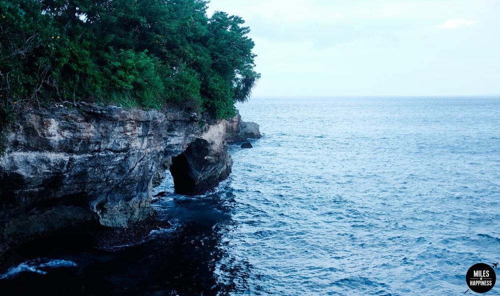 Nusa-Lembongan-Jump-point-Cliff.jpg