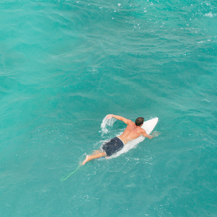 Uluwatu-surfer.jpg