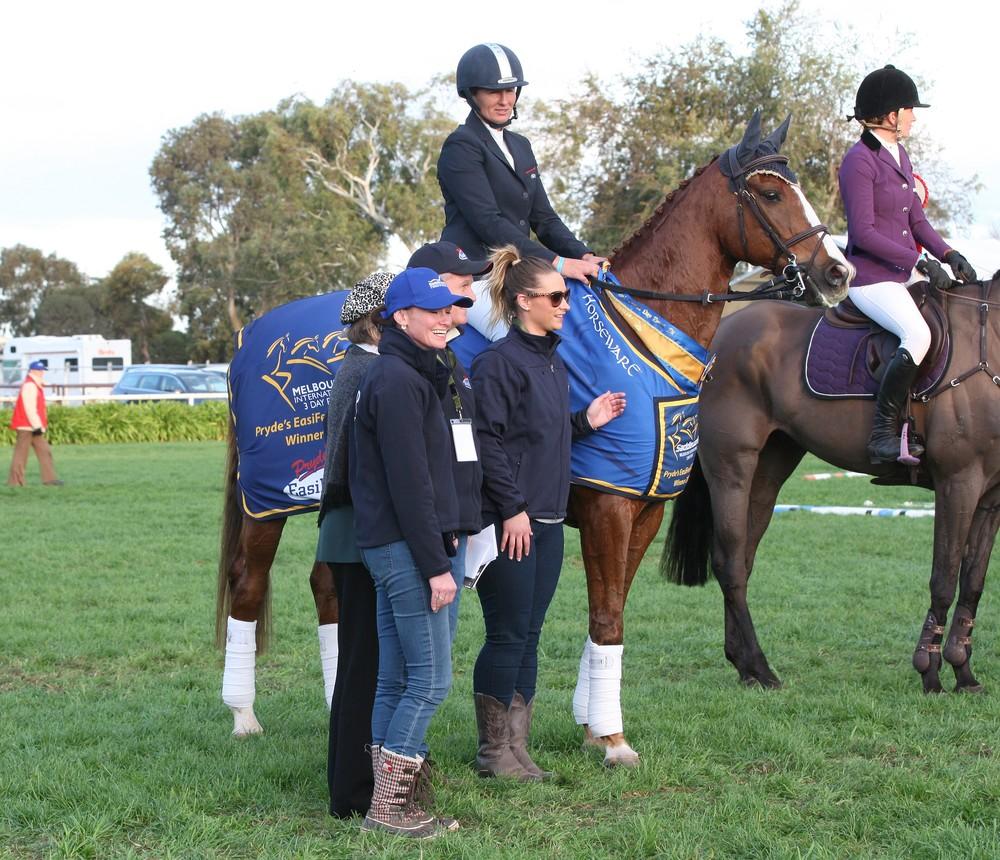 MI3DE Chtistine Bates and Adelaide Hlll CCI 3* winners