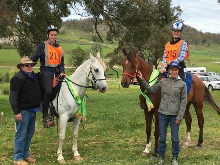 Owner of these two horses Jim Green with son Jamie Green 5th middleweight plus Best conditioned horse and Kelsey Irvine 1st lightweight plus Best conditioned and winner of Pat Slaters cup with trainer Kaylea Maher.