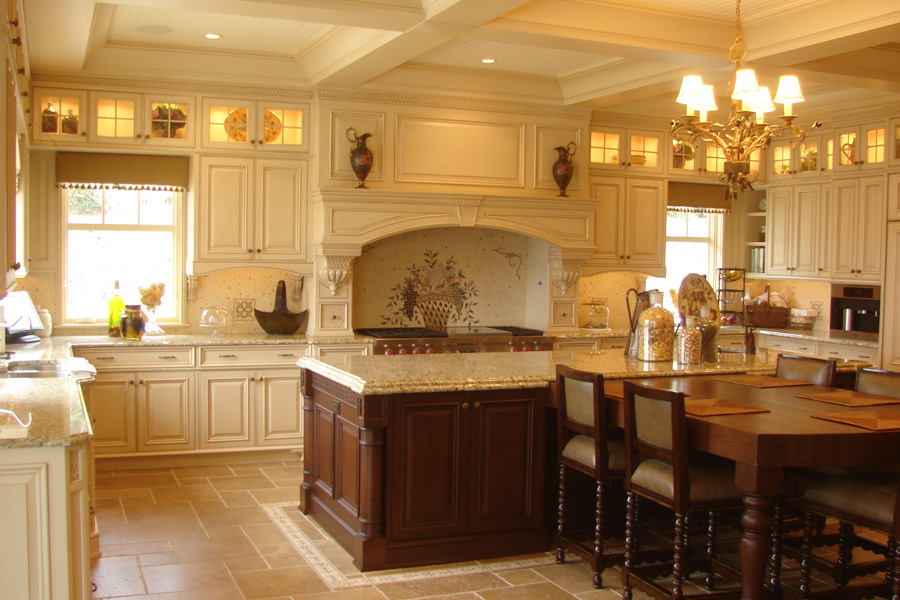 cove-neck-custom-kitchen.jpg