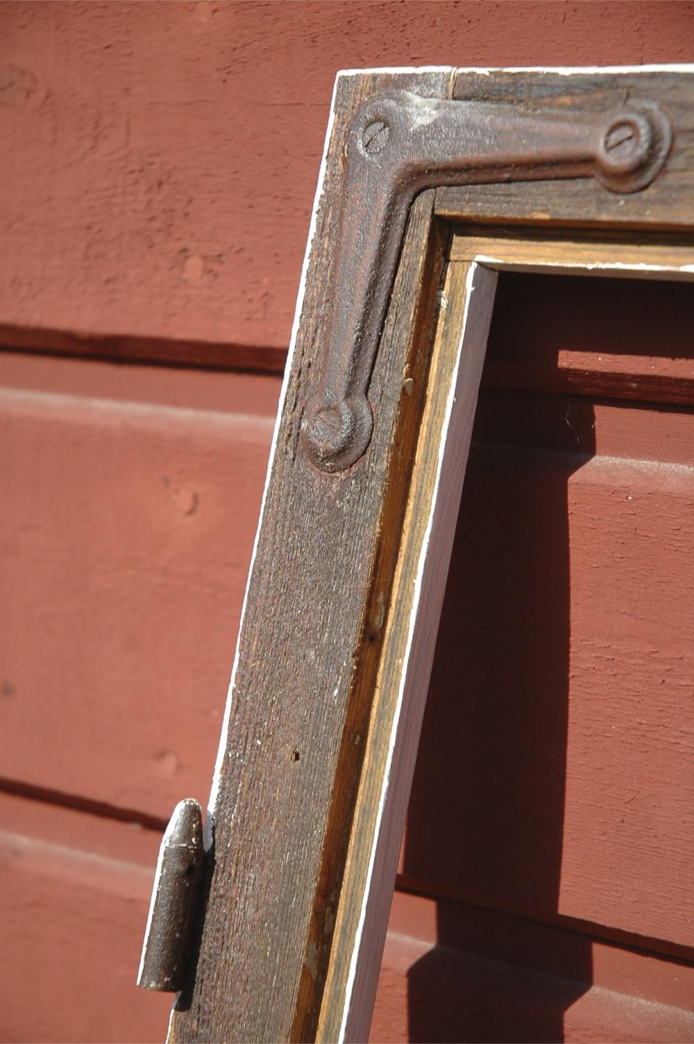 fönsterbåge som oljats med linolja. Foto: Lars Petersson