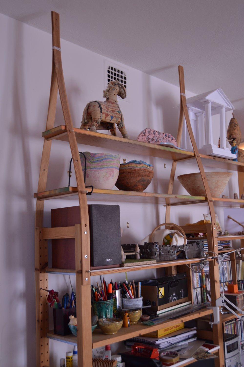 En förlängning av en befintlig bokhylla hemma hos Andreas Nobel. Foto Andreas Nobel
