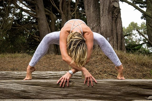Her heart races to a rhythm only the wildest things in the world could understand. ~ Dane Thomas 📷 @keroine  Outfit: @lululemonsf. ————————————————✨ #vazayoga #staygolden #empoweredbeyond #wildwomen #love #passion #yogagirl #yogamom #sanfranciscomodel #fitnessmodel #lululemonambassador #rhythmoftheheart #yogateachersanfrancisco #mom #yogainspiration #mindfulness #lightwarrior #staygolden