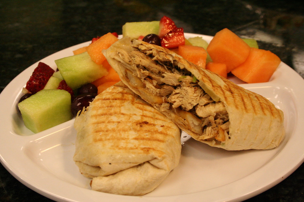 Chicken Shawarma Pita/Fresh Fruit
