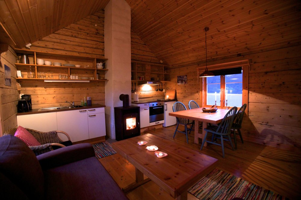 LOFOTEN SKI LODGE CABIN (FJORD + MTN VIEWS)