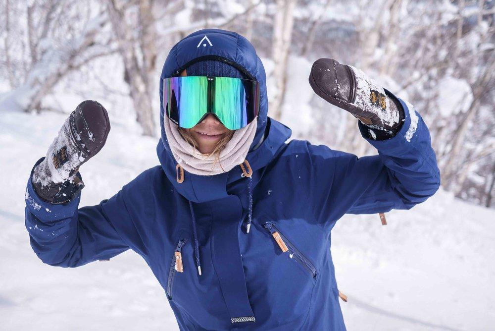 KJERSTI BUAAS SNOWBOARDING NISEKO POWDER.jpg