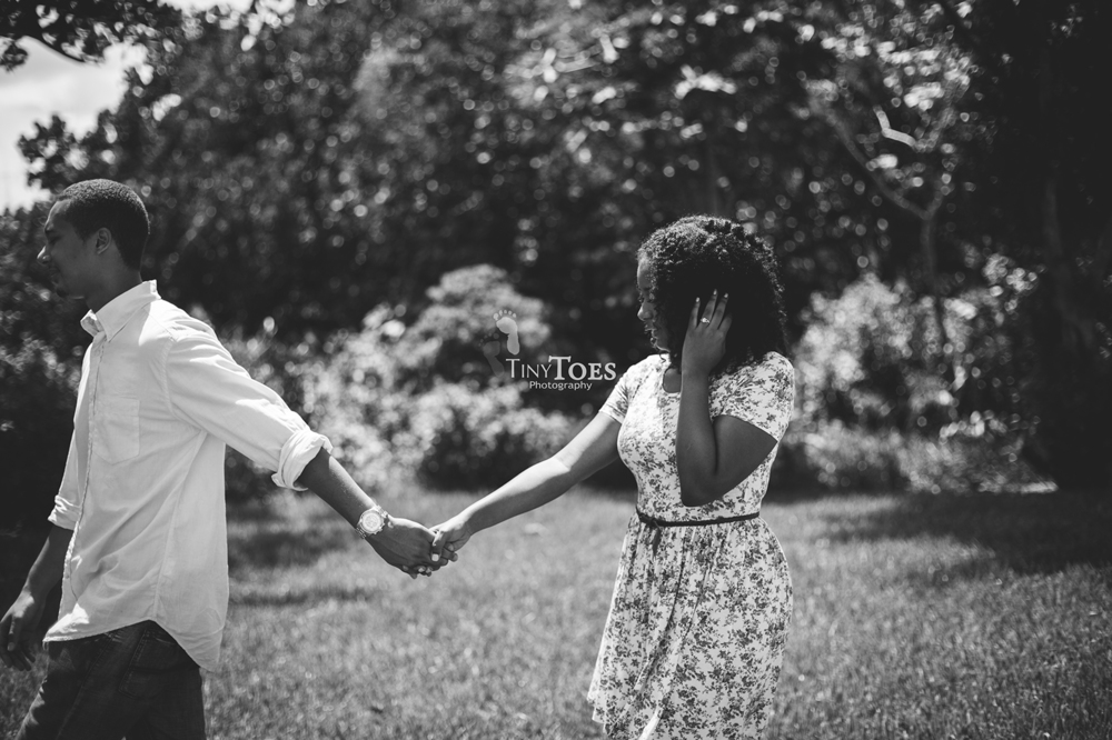 Tiny Toes Photography | Nassau, Bahamas Engagement Photographer