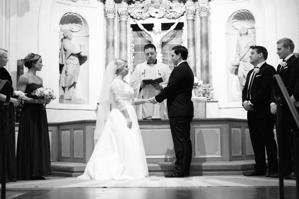 031-sweden-vidbynäs-winter-wedding-photographer.jpg