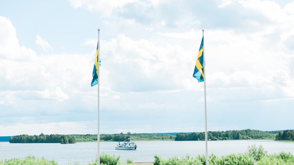 057-sweden-mälsåker-mariefred-wedding-photographer-videographer.jpg