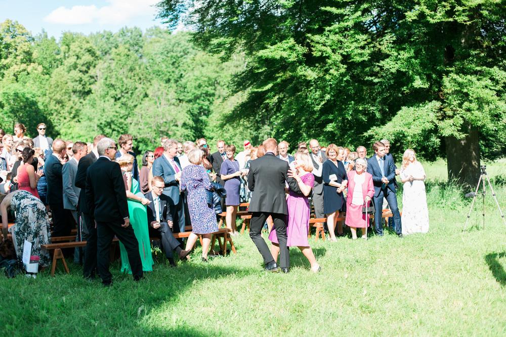 087-sweden-mälsåker-mariefred-wedding-photographer-videographer.jpg