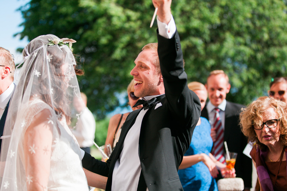 099-sweden-mälsåker-mariefred-wedding-photographer-videographer.jpg