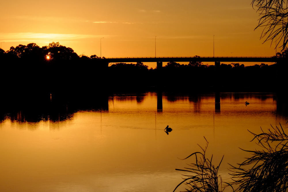 Mildura at sunrise X-E1 at ISO800 F18 1/500s with -0.33 exposure