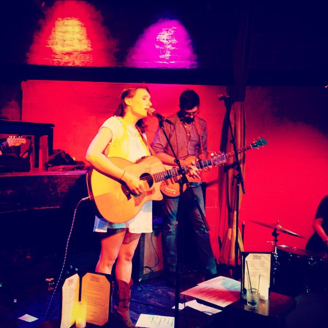 @evelynbmusic deserves a Nashville insta filter for her catchy country toons. Girl is killing it #rockwoodmusichall