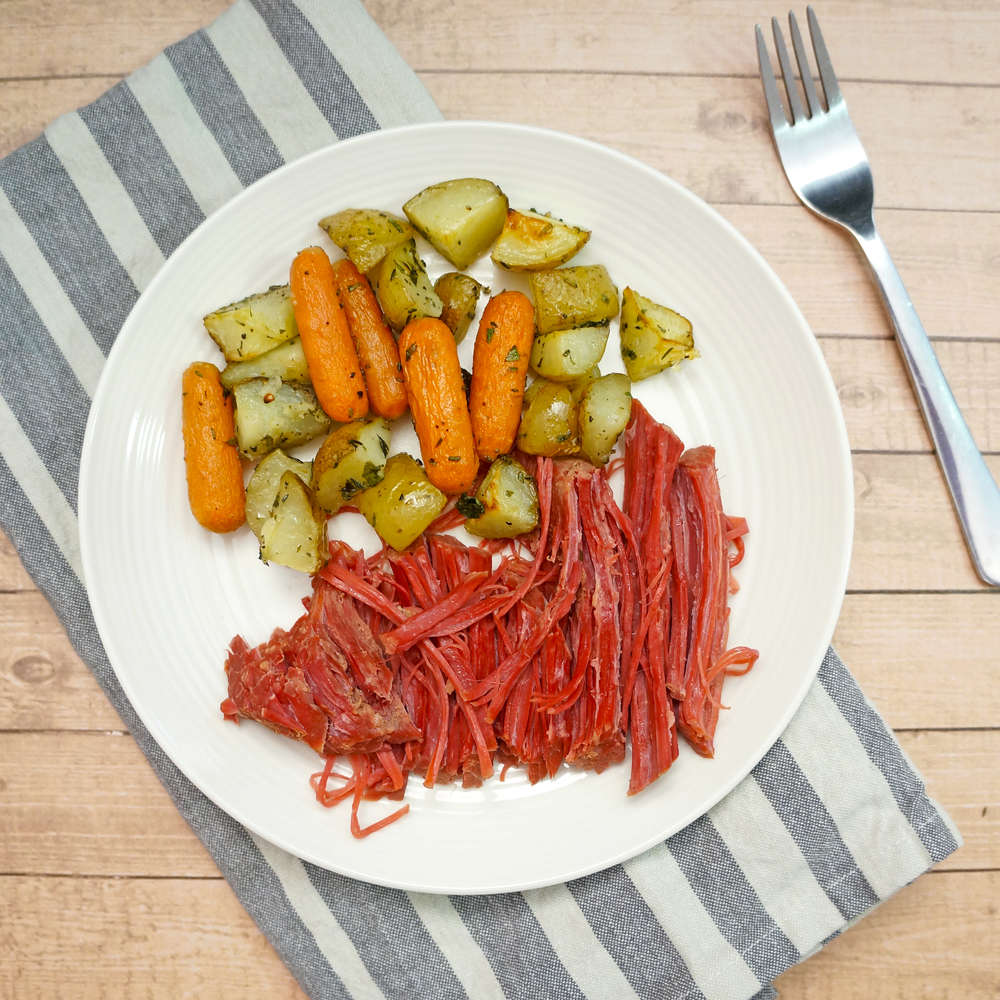 thegirlcaneat-corned-beef-brisket-potatoes-carrots-2