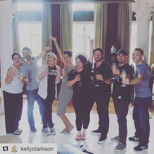 #Repost @kellyclarkson with @repostapp ・・・ Here we go, @atlanticrecords! Cheers!