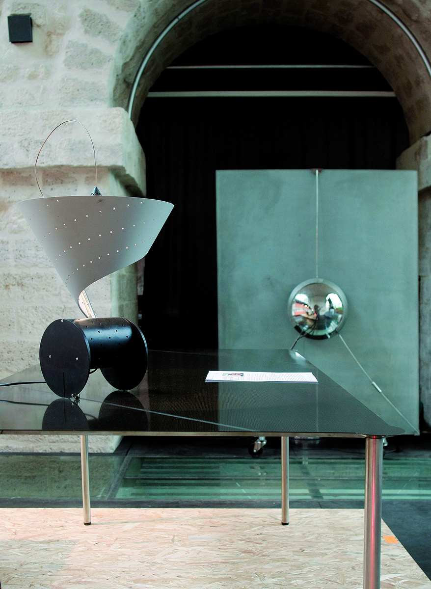 _MG_6698 lampe s_table_ .jpg