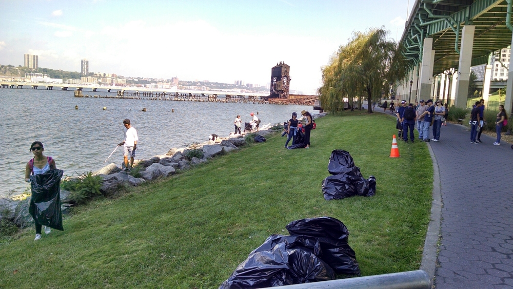 The US Coast Guard, Riverside Park Conservancy, Bank of America, local high school students and other participated in this effort.