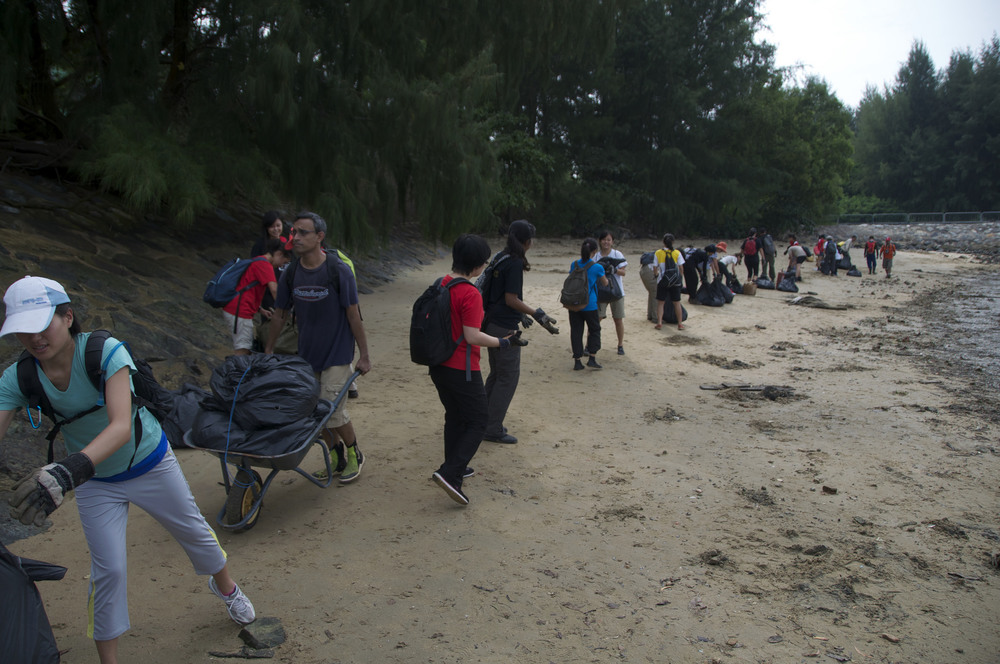 Singapore - Tanah Merah Beach - 1.11-volunteers.jpg
