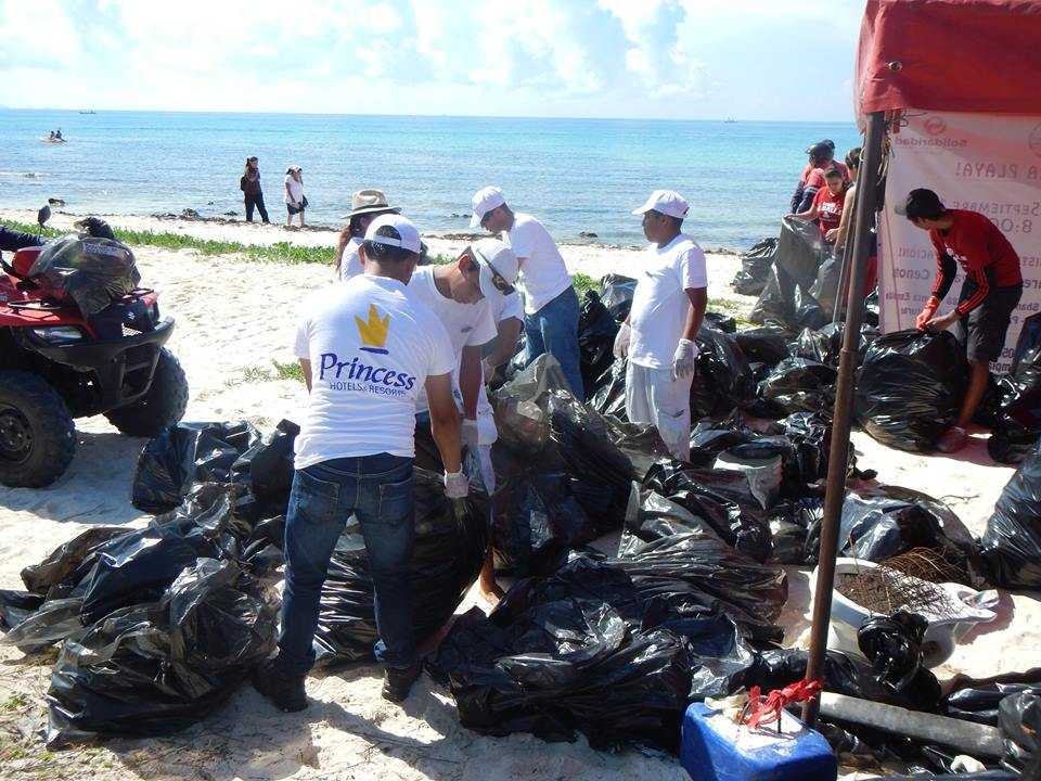 International Coastal Cleanup - Punta Esmeralda in La Riviera Maya - Mexico - September 2015