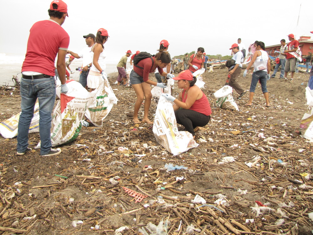 International Coastal Cleanup - 2010 - Paso Pacifico - Nicaragua