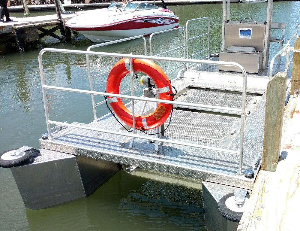 Water cleaning boat.jpg