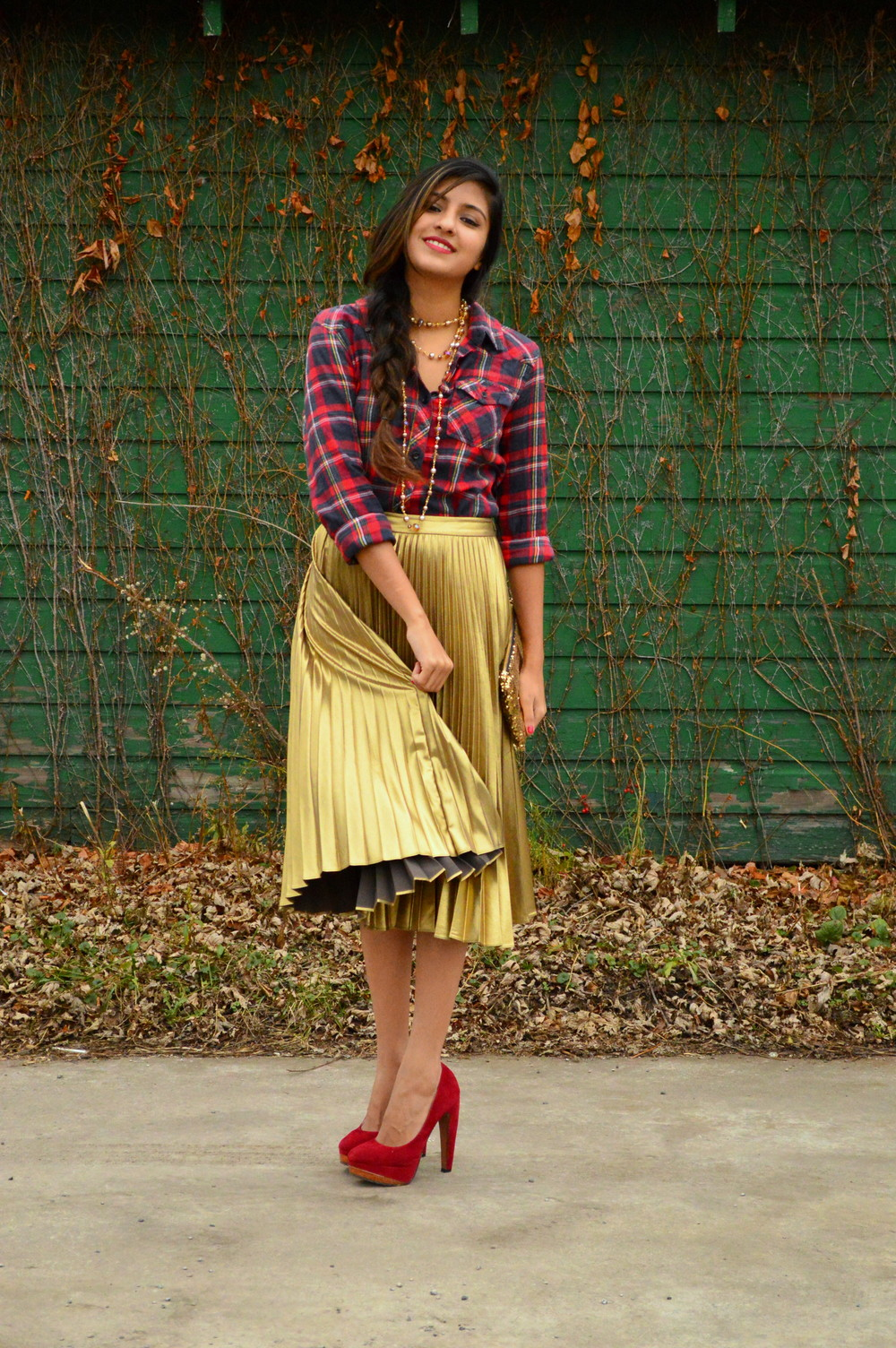 festive flannel and gold pleats 7