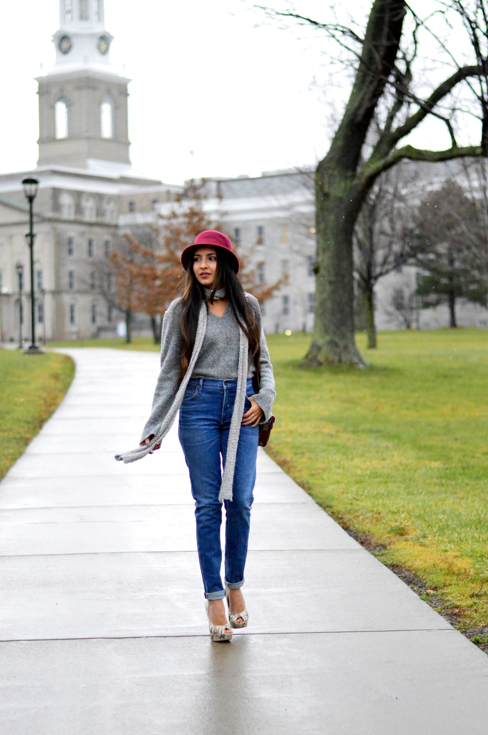 Grey-Skinny Scarf-High waisted jeans- #IFCHIC24 1