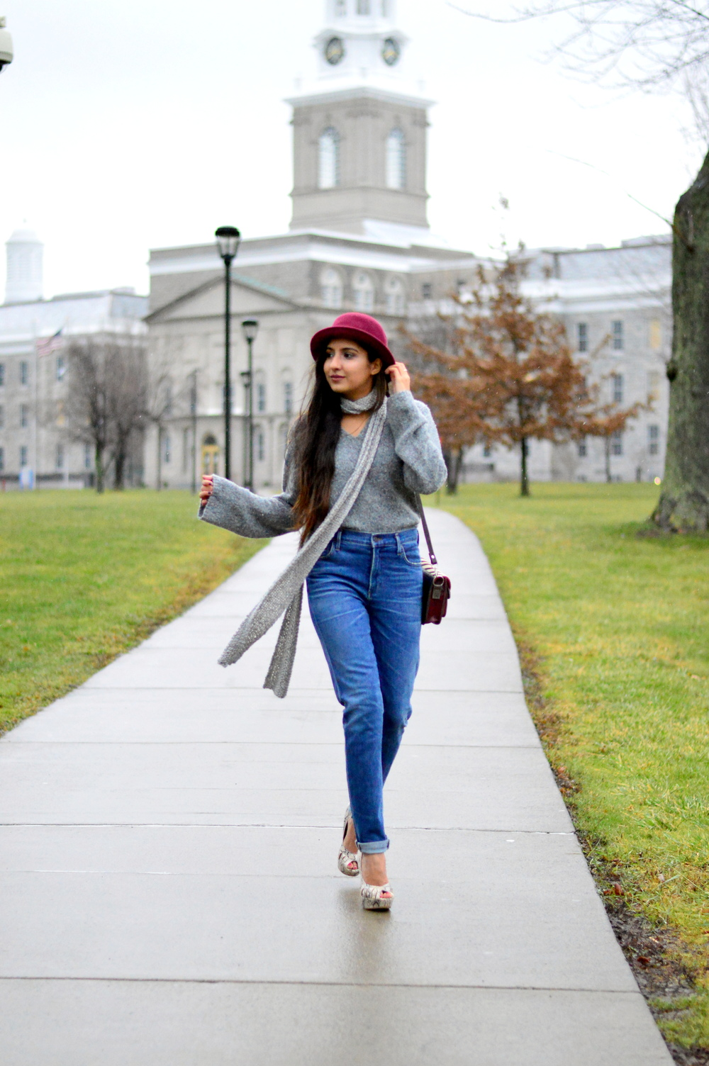 Grey-Skinny Scarf-High waisted jeans- #IFCHIC24 7