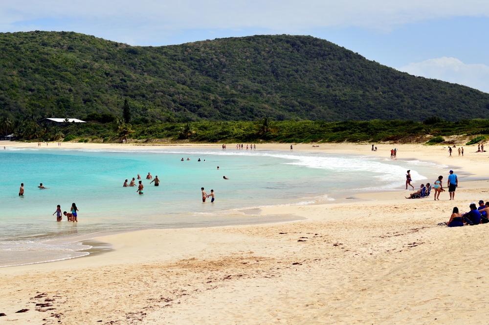 flamenco-beach-culebra-puerto-rico-budget-travel-guide