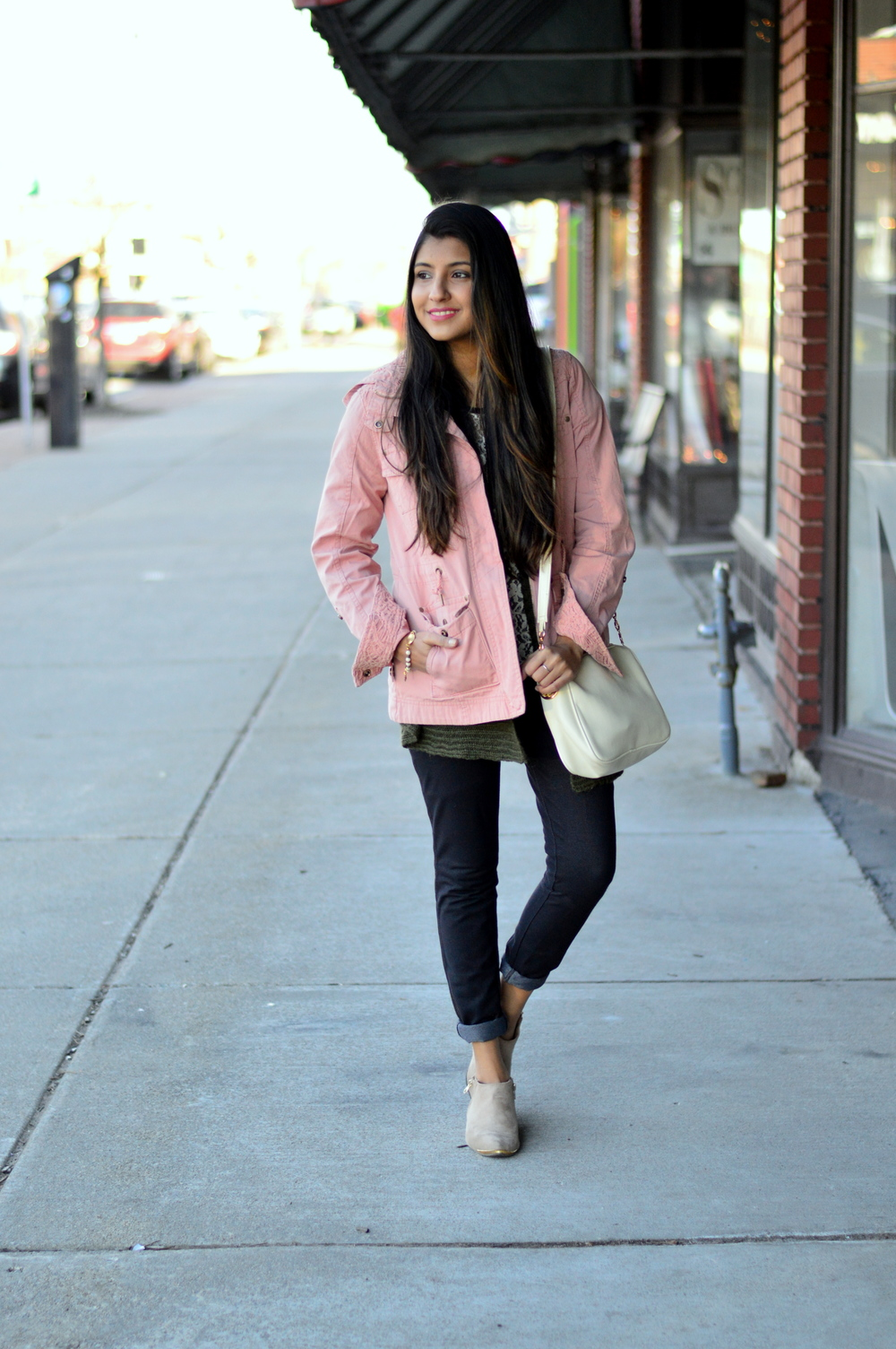pink-utility-jacket-spring-style 1